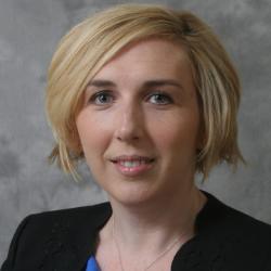 Headshot Molly Reynolds